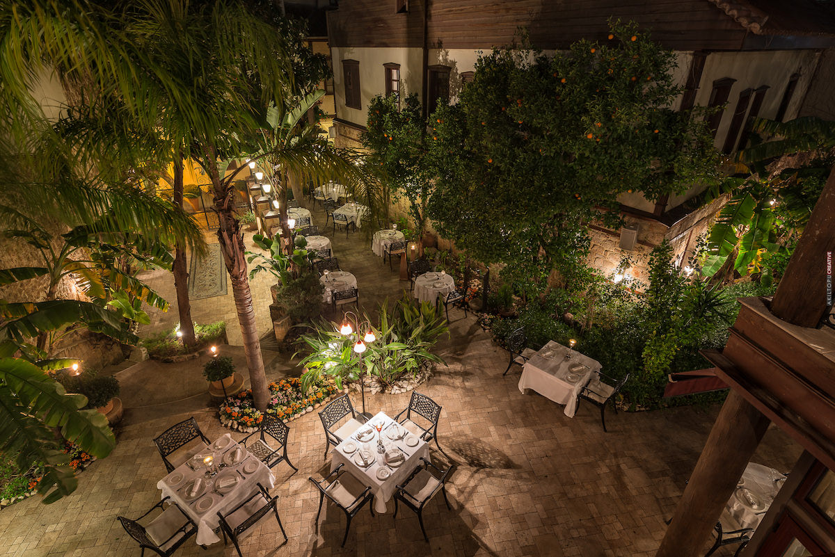 Seraser Fine Dining Restaurant 7