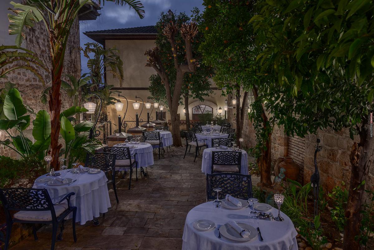 Seraser Fine Dining Restaurant 9